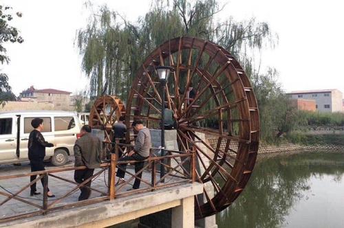 赣州防腐木水车